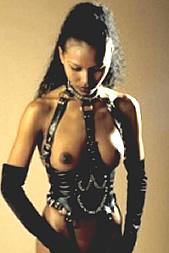 Fügsam und aufregend per SMS: 11826 Kennwort: Erotik Asiasklavin - 1,99 €/SMS, bezahlte Operator, keine realen Treffen