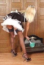 Dir zu Diensten per SMS: 11826 Kennwort: Erotik Dienstmädchen - 1,99 €/SMS, bezahlte Operator, keine realen Treffen