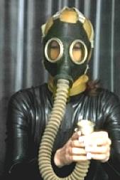 Das Gefühl der Gasmaske per SMS: 11826 Kennwort: Erotik Gasmaske - 1,99 €/SMS, bezahlte Operator, keine realen Treffen