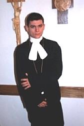 Himmlicher Sex per SMS: 11826 Kennwort: Erotik Pastor - 1,99 €/SMS, bezahlte Operator, keine realen Treffen